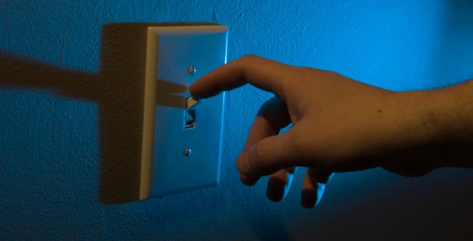 Descubra como economizar energia na empresa seguindo estas 5 dicas!