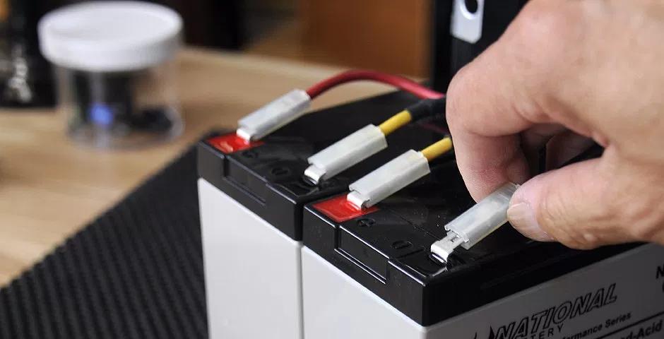 Quando trocar a bateria do nobreak APC by Schneider?